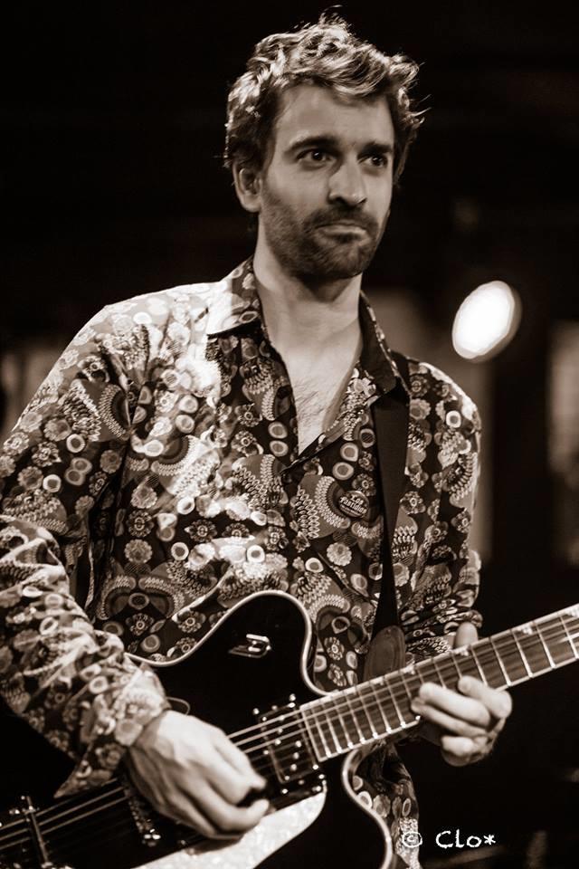 Vincent Sexauer, guitariste de Rhénan